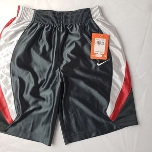 Nike Boys Basketball shorts Size 7 NWT
